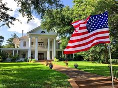 Happy Texas Tuesday from Palestine! Thanks @texas.homes for this patriotic shot of Elmwood estate c.1912. #texas #easttexas #pineywoods #texasforesttrail