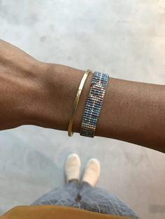 Dieses schöne Band mit den Miyuki Perlen bringt einen Hauch Sommer an dein Handgelenk. Die Tasles am Ende des Armbands geben dem Look noch einen verspielten Touch. Boho, Bracelets, Jewelry, Style, Beads, Summer, Nice Asses, Swag, Jewlery