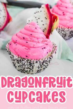 Beach Cupcakes, Fruit Cupcakes, Summer Cupcakes, Easy Vanilla Cupcakes, Moist Cupcakes, Frosting Recipes, Cupcake Recipes, Fruit Crafts, Fluffy Frosting