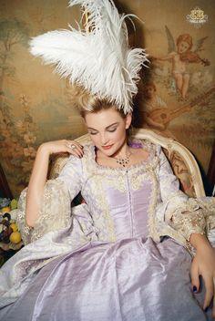 costume at Romantic Threads