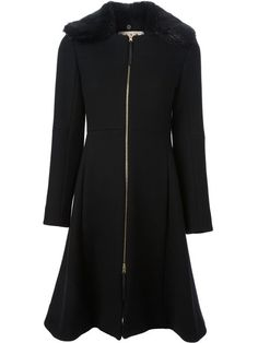 Shop Marni fur collar overcoat in Satù from the world's best independent boutiques at farfetch.com. Over 1000 designers from 60 boutiques in one website.