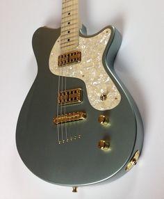 Custom Guitar by www.calumetguitars.com