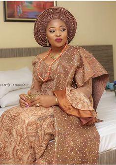 African Wedding Attire, Desi Wedding Dresses, African Attire, African Dress, African Clothes, Nigerian Wedding Dresses Traditional, Traditional Wedding Attire, African Traditional Wedding, Traditional Dresses