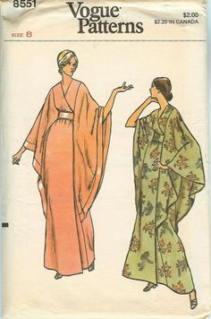 Vogue 8551 : Misses' Robe    1973