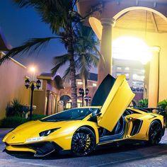 | Late Evening Dinner | #Lamborghini #Amazing #Instalike #Supercar #Aventador  Via  @badr_alhumaid by lamborghini_motorsport