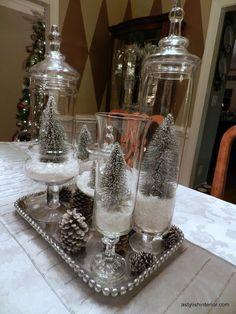 Como podrás ver en etas fotografías, quedan hermosas y para hacerlas necesitaras conseguir un frasco de cristal del tamaño que prefieras y le añades sal gorda (nieve falsa) y los elementos que quieres que aparezcan en la escena.
