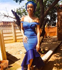 Who says the older generations can't rock with SHWESHWE DRESSES! This is a style that goes perfectly well on ladies, regardless of how old African Prom Dresses, African Fashion Dresses, African Dress, African Wedding Attire, African Attire, African Traditional Dresses, Traditional Wedding Dresses, Shweshwe Dresses, Ankara Gown Styles