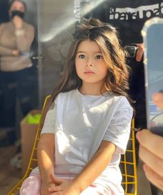 Cute Kids Photos, Cute Baby Girl Pictures, Girl Photos, Beautiful Little Girls, Cute Little Baby, Beautiful Children, Beautiful Women Videos, Cute Babies Photography, Cute Mixed Babies