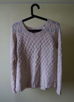 Kup mój przedmiot na #vintedpl http://www.vinted.pl/damska-odziez/bluzy-i-swetry-inne/10395674-sliczny-pudrowy-sweter-rozmiar-uniwersalny