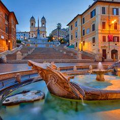 Fontana della Barcaccia (Piazza di Spagna)