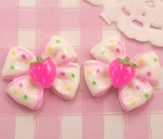Extra cute polka dot spotty bows with strawberries. These flat back #cabochons would look amazing used for any craft project, especially #decoden. #DIY