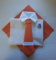Connie`s lille verden: Bordkort / Invitasjoner / takkekort Napkin Folding, Baby Daddy, Event Decor, Napkins, Projects To Try, Scrap, Table Decorations, Tableware, Crafts