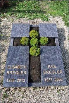 000179_Urnengrab_Kreuz Grave Flowers, Cemetery Flowers, Funeral Flowers, Cemetary Decorations, Tombstone Designs, Gardens Of Stone, Memorial Stones, Stone Statues, Grave Memorials