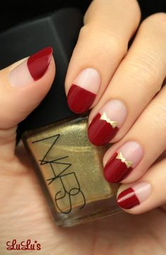 Whatever your age is, the red nail polish is always a nice choice. The red nails are so versatile that you can wear them for different styles and occasions. Red nail designs are timeless, what can … Red And Gold Nails, Red Nails, Matte Nails, Red Gold, Nail Polish Designs, Nail Art Designs, Nails Design, Love Nails, Pretty Nails