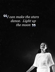 Selena Gomez ; Star Dance