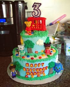 Daniel Tiger birthday cake! I'm not a professional. Anyone can do this! Takes a little patience but is fun! http://maryling13.tumblr.com/post/145106507754/daniel-tiger-birthday-cake-im-not-a