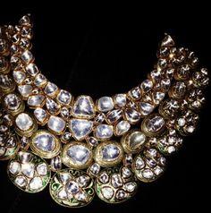 Polki necklace of uncut diamonds. India Jewelry, Jewelry Sets, Infinity Pendant, Bling, Uncut Diamond, Custom Jewelry, Diamond Jewelry, Gold Jewellery, Wedding Jewelry