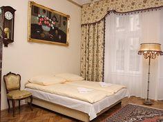Apartament Lwowski II (29m2, 1 piętro, max. 2+1 osoby). Mieszkanie położone blisko Rynku i najważniejszych zabytków w Krakowie. http://www.youtube.com/watch?v=Iqrif1I-yA0