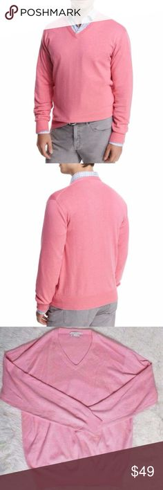 Peter Millar Cotton & Cashmere V Neck Sweater L Size L 95% Cotton 5% Cashmere Total length is 30 inches. Chest is 52 inches. Excellent condition Real men wear pink:) Peter Millar Sweaters V-Neck