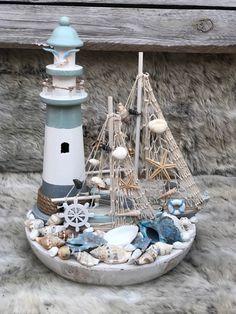 Landscape Timber Crafts, Landscape Timbers, Seashell Wreath, Seashell Crafts, Seaside Home Decor, Beach House Decor, Boat Decor, Door Displays, Nautical Wedding Theme