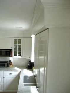 Ikea Lidingo Kitchen Installation with Crown Molding