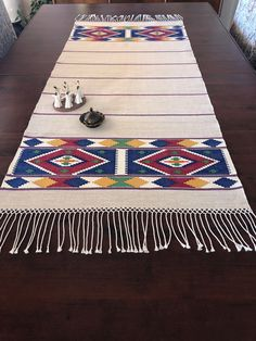 Palestinian Embroidery, Decor Inspiration, Room Rugs, Handmade Bags, Design Crafts, Flora, Quilt Blocks, Fabric Crafts, Stitch Patterns