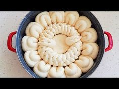 Symmetrical bread - also decided to add flowers Best Bread Recipe, Bread Recipes, Bread Shaping, Bread Art, Braided Bread, Ukrainian Recipes, Pan Dulce, Cookie Pie, Plaits