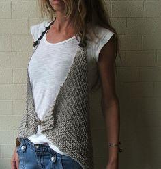 lagenlook,french chic style crochet or knit gilet,waistcoat idea Knit Tie, Knit Vest, Love Crochet, Knit Crochet, Crochet Capas, Knitting Patterns, Crochet Patterns, Mode Vintage, Crochet Clothes