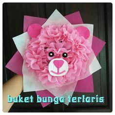 Buket bunga flanel. Order segera ya sis. 083114610391.  #buketbunga #kadounik #florist #graduation #jualbunga #buketwisuda #kadowisuda #handbouquet #hadiah #bouquet #souvenir