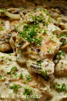 Kurczak_w_sosie_pieczarkowo_musztardowym Pork Recipes, Chicken Recipes, Cooking Recipes, Healthy Recipes, Pork Dishes, Foods With Gluten, Yum Yum Chicken, Food Design, Food And Drink