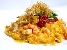 和 風 鮮 蝦  蛋  包  飯 Shrimp omelet with rice 海老のオムライス