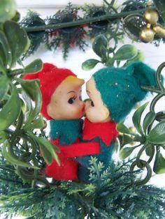 Christmas pixie elves kissin'