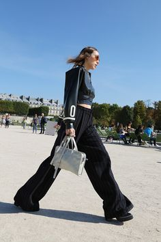 Неделя моды в Париже S/S 2015: street style. Часть III (фото 11)