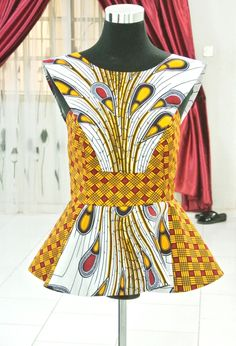 Blouse mixte de paon d'impression africaine Ankara Tops, Peplum Tops, Formal Tops, African Clothing, African Party Clothing Ankara Tops Blouses, Ankara Peplum Tops, African Blouses, African Tops, African Women, African Inspired Fashion, African Print Fashion, Africa Fashion, African Print Dresses