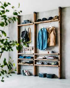 Buying Guide to Closet Space Savers Home Room Design, House Design, Diy Regal, Welcome To My House, Diy Interior, House Rooms, My Room, Home Organization, Ladder Decor