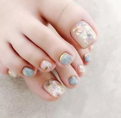 Japanese Summer Toe Nail Designs Pastel Mable BeautifulNails Toe nails are always fashionable. With all the new style of ombre toe nail designs, mable toenail art designs, shellac feet … Simple Toe Nails, Cute Toe Nails, Summer Toe Nails, Pretty Nails, My Nails, Summer Pedicures, Pedicure Nail Art, Toe Nail Art, Pedicure Colors