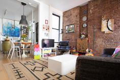This Family of Four& Apartment Feels Much Larger: gallery image 3 Small Apartment Interior, Family Apartment, Bedroom Apartment, Apartment Living, Apartment Therapy, Apartment Design, Small Space Living, Small Spaces, Living Spaces