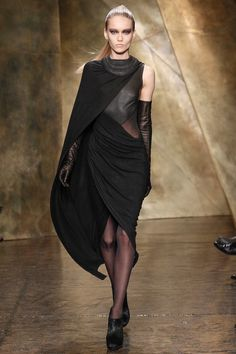 The woman has perfected pleating and draping like no other...welcome back to her 7 Easy Pieces...Donna Karan