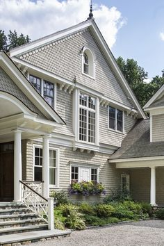 Curb Appeal: 20 Modest yet Gorgeous Front Yards Curb appeal Garden shrubs Dream home Home sweet home Tropical gardens Dream house A Hill Steps Home Office, Shingle Colors, Shingle Style Homes, New Canaan, Fresh Farmhouse, Built In Microwave, New England Homes, House Siding, Residential Architecture