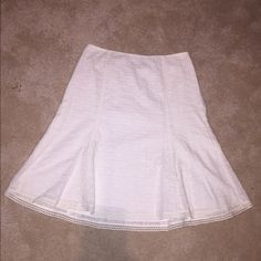 NWOT Ann Taylor eyelet lace skirt NWOT Ann Taylor eyelet lace skirt. Absolutely beautiful detail! Ann Taylor Skirts