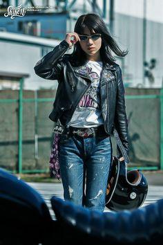 #rock #ロック #badge #バッジ #rck'nroll #ロックンロール #pinbadge #バッチ #rockandroll #ロカビリー #embroidered #ピンバッジ #rockabilly #バイク #rockers #ピンバッチ #motorcycle #オートバイ #leatherjacket #ロッカーズ #bike #カフェレーサー #レザージャケット #caferacer #ビンテージ #shikon67 #vintage Lady Biker, Biker Girl, Denim Fashion, Girl Fashion, Harajuku Japan, Cafe Racer Style, Riders Jacket, Bike Rider, Rockabilly Fashion