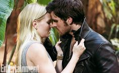 'Once Upon a Time' First Look: Emma and Hook [spoiler]! — !!! EVERYONE FREAK OUT AND DIE BECAUSE SHIP T OR NOT ITS HAPPENING AND I HAVE NO IDEA WHAT TO FEEL ABOUT IT! I HAVENT EVEN FIGURED OUT IF I SHIP OF NOT, I NEED MORE TIME!
