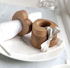 Four Wooden Heart Napkin Rings Solid Oak Wooden Napkin Rings, Beaded Napkin Rings, Christmas Napkin Rings, Christmas Napkins, Cadeau St Valentin, Rustic Napkins, Wood Napkin Holder, Handmade Rings, Wood Crafts