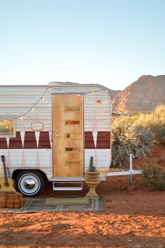 The Nugget: Vintage Trailer Makeover Reveal!!!  This makes me want to go camping so bad!