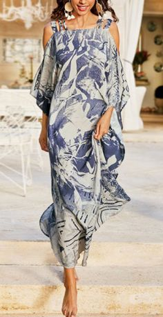 Fashion Over 50, Fast Fashion, Boho Fashion, Fashion Dresses, Midi Dress With Sleeves, Trendy Clothes For Women, Batwing Sleeve, Holiday Dresses, Chic Outfits