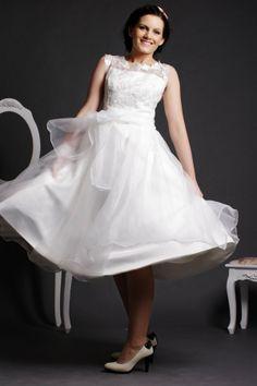Lace Scoop Neck Tea Length Ball Gown Skirt Organza Wedding Dress w/ Sash