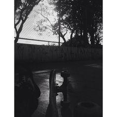 Fim de tarde, sessão de skate