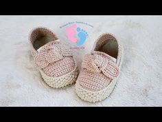 Crochet Beautiful Shoes For Baby - We Love Crochet Crochet Baby Boots, Crochet Girls, Crochet Shoes, Love Crochet, Beautiful Crochet, Baby Shoes Pattern, Baby Patterns, Crochet Patterns, Crochet Patron