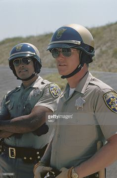 Erik Estrada as Officer Francis Llewellyn 'Ponch' Poncherello, Larry Wilcox as Officer Jon Baker Get premium, high resolution news photos at Getty Images Actor Picture, Actor Photo, 70s Tv Shows, Movies And Tv Shows, Usa Tv Series, Bruce Lee Chuck Norris, Armadura Ninja, Larry Wilcox, Hot Men Bodies