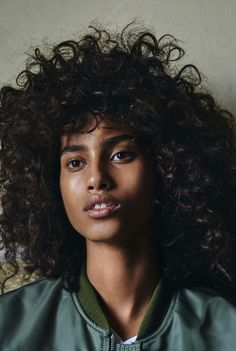 This is where Dutch topmodel Imaan Hammam goes for a spray tan in Amsterdam. - Vogue Nederland